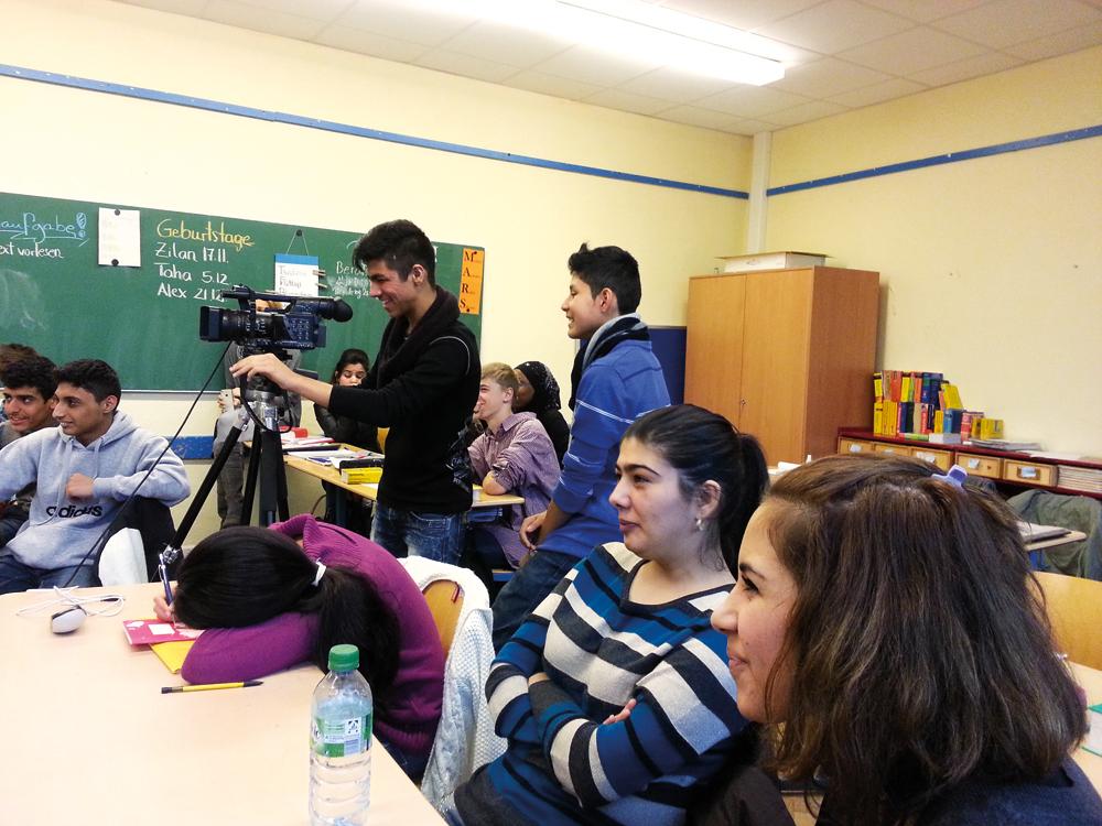 Jugendreporter drehen im Klassenraum, Foto: Kulturpunkt