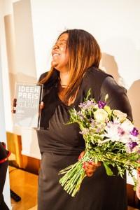 Projektleiterin Mable Preach nahm den Ideenpreis für den LUKULULE e.V. entgegen